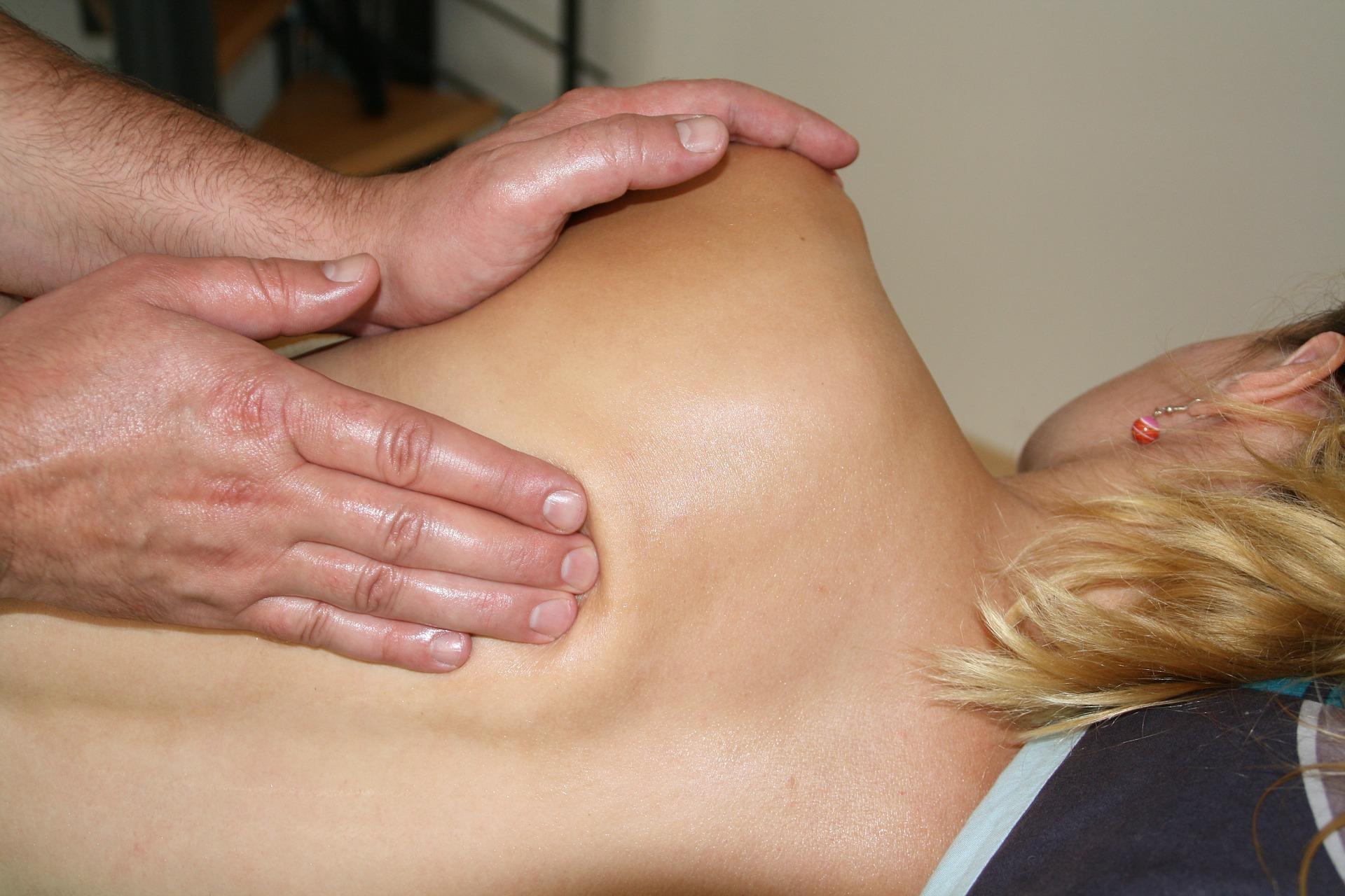 La fisioterapia alivia las molestias musculares que ocasiona el embarazo